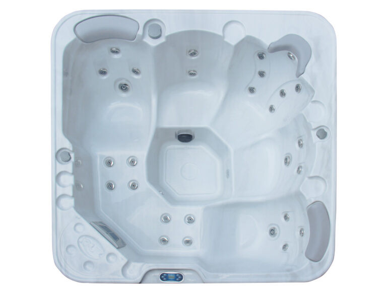 Ique Milan Hot Tub